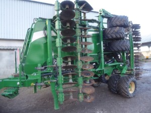 2017 Great Plains CDA 600-167 Centurion 6m cultivation drill, 3000ltr hopper, 50mm press wheels, scalloped discs, track eradicator, weight load cells, seed flow sensors, control screen, large quantity new spares
