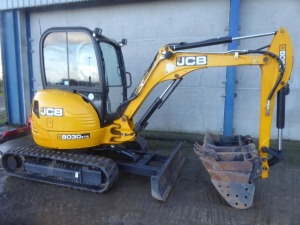 "JCB 8030 ZTS 360 degree mini digger, 1900mm dipper, 12"" rubber tracks, 4 buckets, front blade, Cesar data tag, 786 hours, 2013"