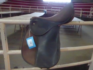 Synthetic saddle