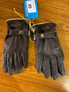 Large mark Todd leather riding gloves