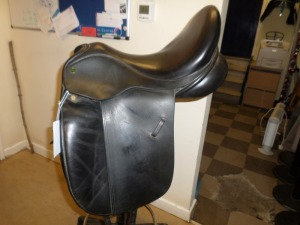"Ideal Suzannah 17.5"" medium wide black dressage saddle"